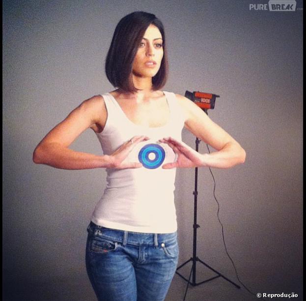 Caro Castro é a nova garota-propaganda da campanha contra o câncer de mama