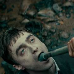 "Daniel Radcliffe, de ""Harry Potter"", é morto-vivo em trailer de novo filme. Assista!"