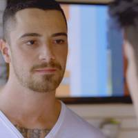"""Novela """"Malhação"""": Samurai (Felipe Titto) resolve fazer teste de DNA sem Ciça saber!"""