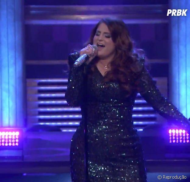 """No """"The Tonight Show Starring Jimmy Fallon"""", Meghan Trainor canta """"Me Too"""" e leva tombo"""