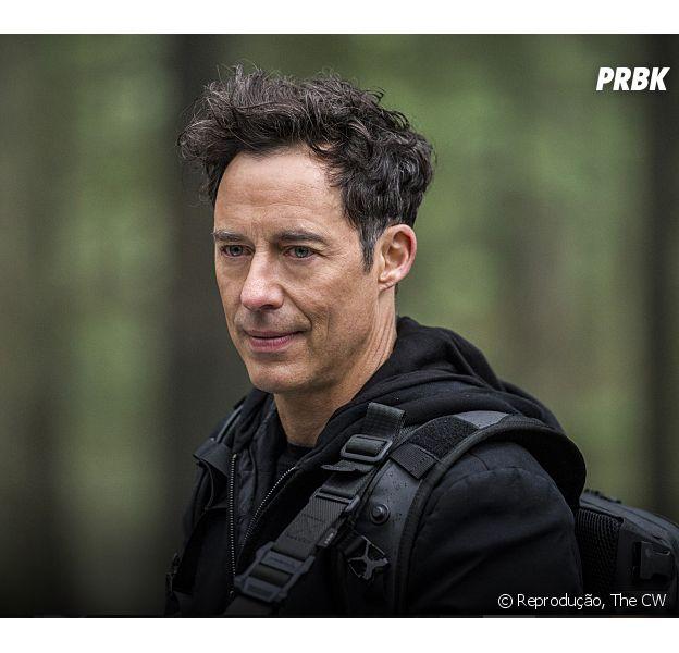"""Em """"The Flash"""", o ator Tom Cavanagh, o Harrison Wells, está confirmado na 3ª temporada!"""