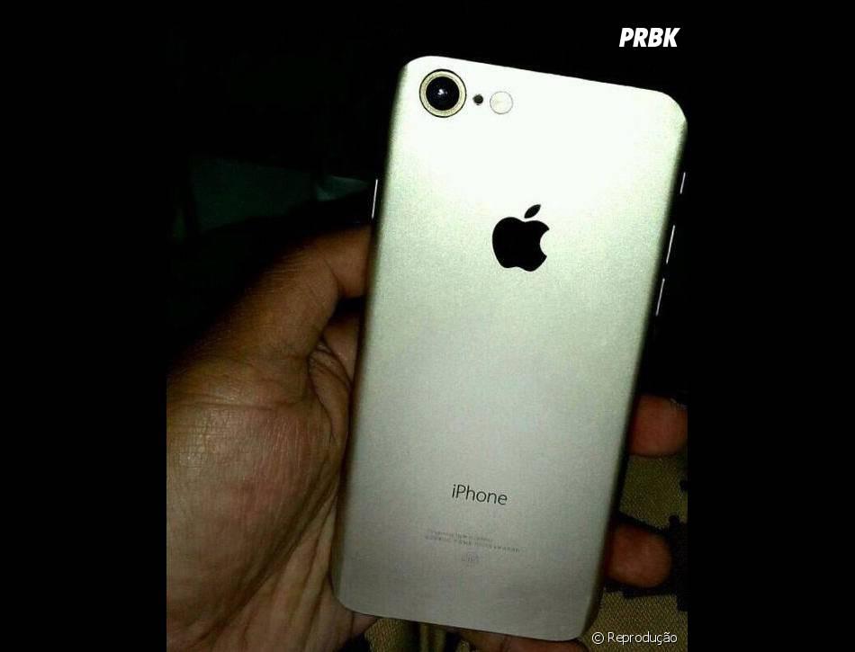 iPhone 7, da Apple, aparece com corpo metalizado em foto vazada