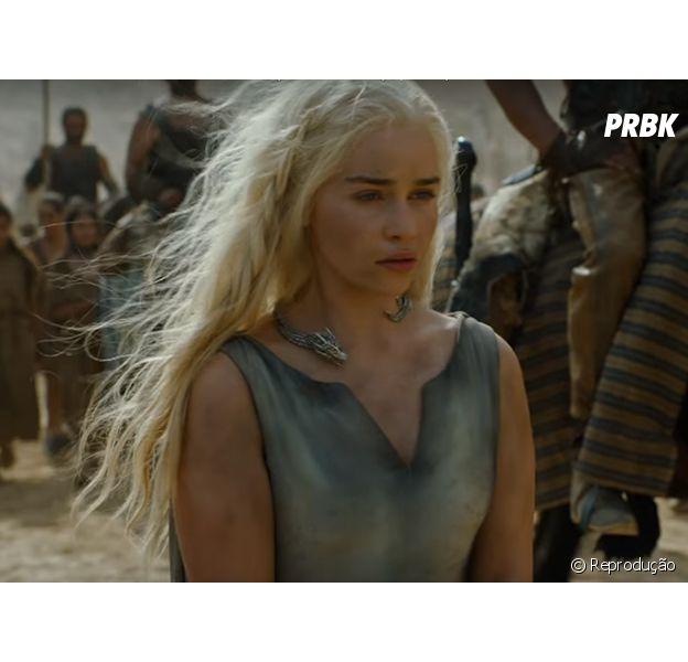 """Em """"Game of Thrones"""", Daenerys (Emilia Clarke) encontra com Theon e Yara!"""