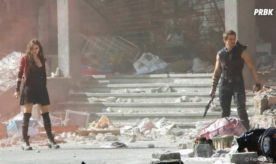 Os atores Elizabeth Olsen e Jeremy Renner são vistos em ação, gravando cenas para o mais novo filme da Marvel