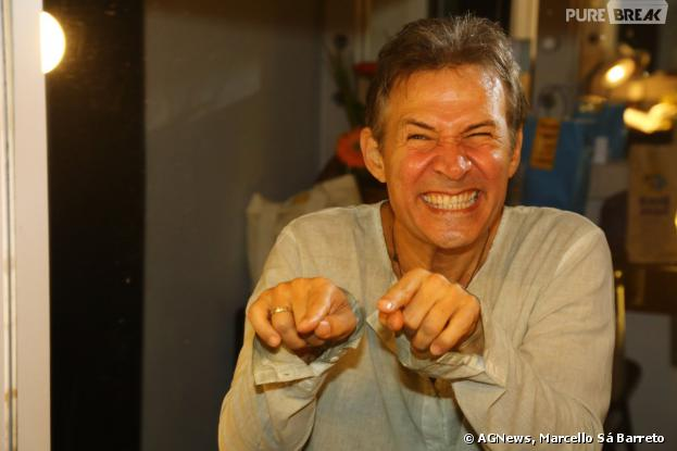 """O comediante Nelson Freitas é o protagonista do musical """"Se Eu Fosse Você"""", com Lua Blanco"""