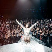 """Selena Gomez conquista 1 bilhão de execuções com álbum """"Revival"""" no Spotify!"""