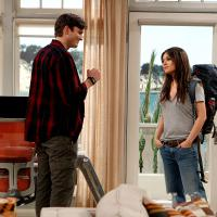 "Em ""Two and a Half Men"": veja 1ª foto de Ashton Kutcher e Mila Kunis"