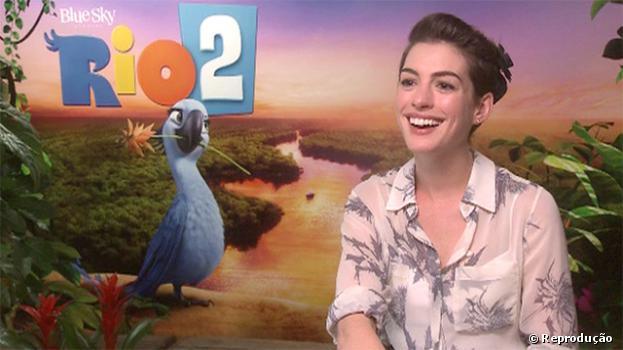 """Anne Hathaway fala sobre a personagem Jade de """"Rio 2"""" em entrevista ao """"The Guardian"""""""