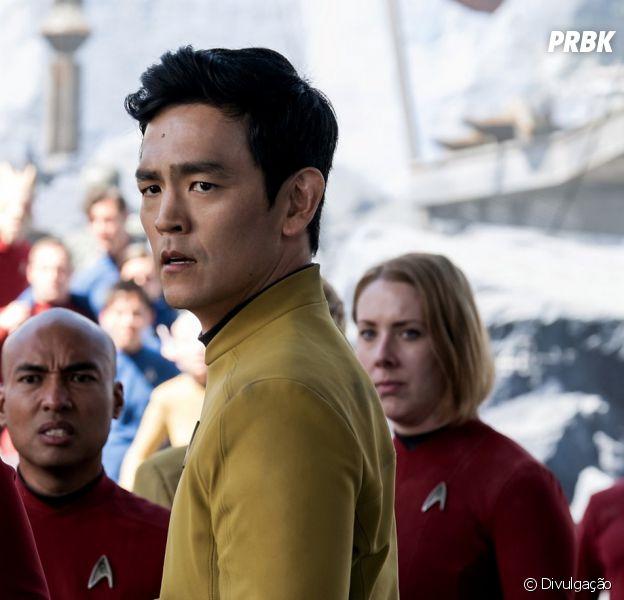 """John Cho interpreta o piloto Hikaru Sulu em """"Star Trek: Sem Fronteiras"""""""