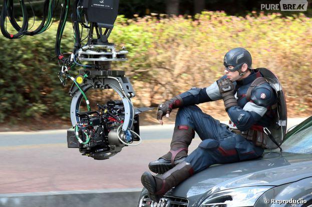 """Chris Evans grava cenas de """"Os Vingadores 2"""""""