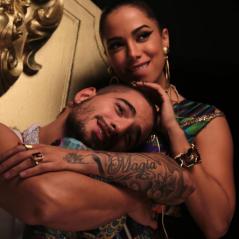 """Anitta e Maluma superam Justin Bieber e emplacam """"Sim ou Não"""" no topo do iTunes brasileiro!"""