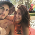 Giulia Costa e Brenno Leone demoraram para assumir de vez o namoro!