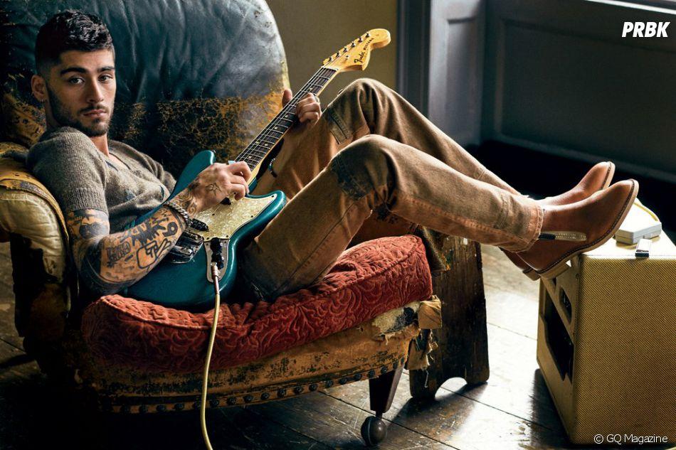 """Zayn Malik, ex-One Direction, revela:""""Eu me envolvi no estilo rock de se vestir - botas, calças skinny, camisetas pretas e anéis. Bem no estilo grunge"""""""