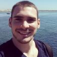 Arthur Zanetti capricha nas selfies em seu perfil no Instagram