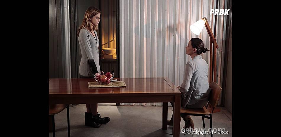 """Paulinha (Christiana Ubach) se uniu a Tereza (Carolina Ferraz) em """"Além do Horizonte"""""""