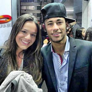 Bruna Marquezine e Neymar Jr. namorando? Relembre o romance da dupla desde o início!