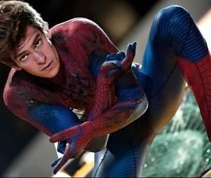 """Sobre o uniforme do Homem-Aranha, Andrew Garfield brincou sobre sua parte íntima: """"Quando fomos planejar a roupa tivemos muito o que considerar. Até porque eu não queria que a minha 'mala' ficasse muito grande ou pequena demais"""""""