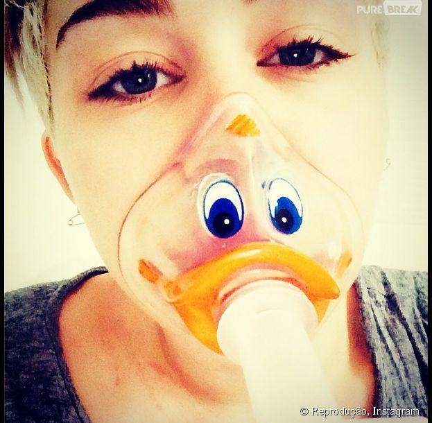 Mesmo no hospital, Miley Cyrus continua com bom humor e atualiza fãs