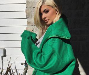 De lingerie, Kylie Jenner tira o fôlego dos fãs no Snapchat