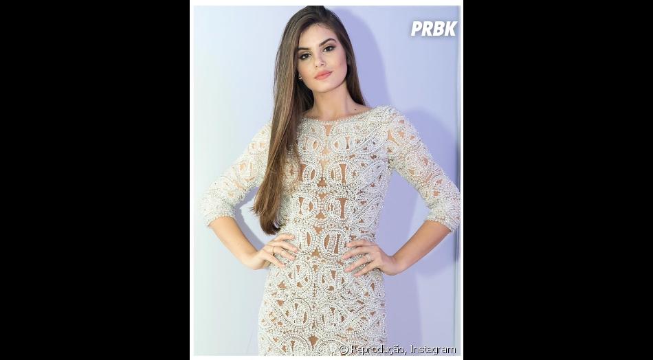 Camila Queiroz saiu premiada na edição 2015, na categoria TV - Purebreak 241bb928c1