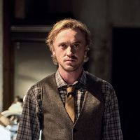 "Em ""The Flash"": na 3ª temporada, fotos do 2° episódio mostram Tom Felton, ator de ""Harry Potter"""