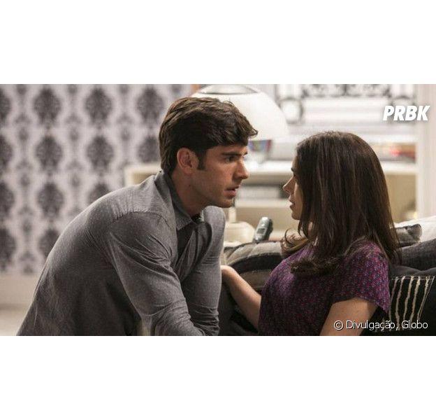"""Em """"Haja Coração"""": Felipe (Marcos Pitombo) e Shirlei (Sabrina Petraglia) voltam a namorar em segredo!"""