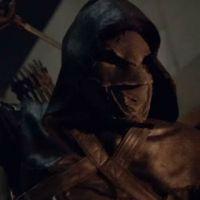 """Em """"Arrow"""": na 5ª temporada, Prometheus, do passado de Oliver, revela planos em nova sinopse!"""