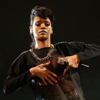 """Rihanna pede proteção contra fã que invadiu sua casa e disse ser """"seu marido"""""""