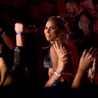 """Lady Gaga faz último show da """"Bud Light Dive Bar Tour"""". Assista e saiba detalhes!"""