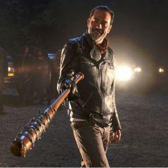 """Em """"The Walking Dead"""": na 7ª temporada, Daryl sofre com a chegada de Negan em novo teaser!"""