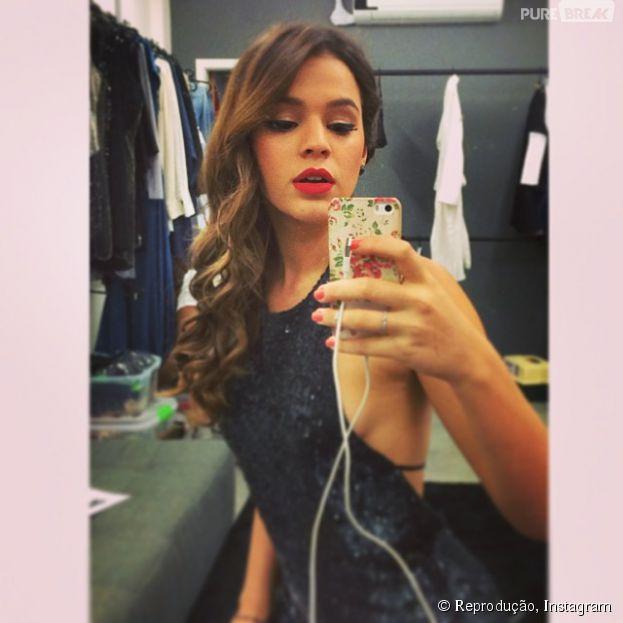Bruna Marquezine nega que tenha ficado com integrante da banda One Direction, por meio de comunicado oficial