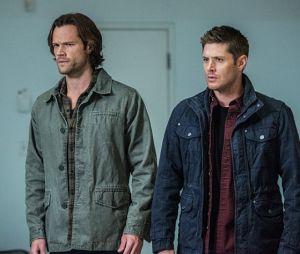 "Em ""Supernatural"", Sam (Jared Padalecki) e Dean (Jensen Ackles) correm atrás do Hitler!"