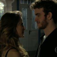 """Em """"Malhação"""": Sidney revela segredo que deixa Sofia encantada!"""