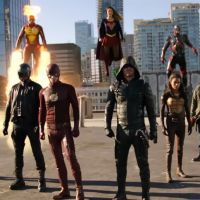 "Em ""Arrow"", ""The Flash"", ""Supergirl"" e ""Legends of Tomorrow"": veja cenas inéditas do crossover"