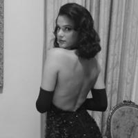 Bruna Marquezine exibe pernas em ensaio sensual sem maquiagem e Photoshop!