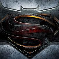 """Estrelado por Ben Affleck, """"Batman v Superman: Dawn of Justice"""" ganha logo"""