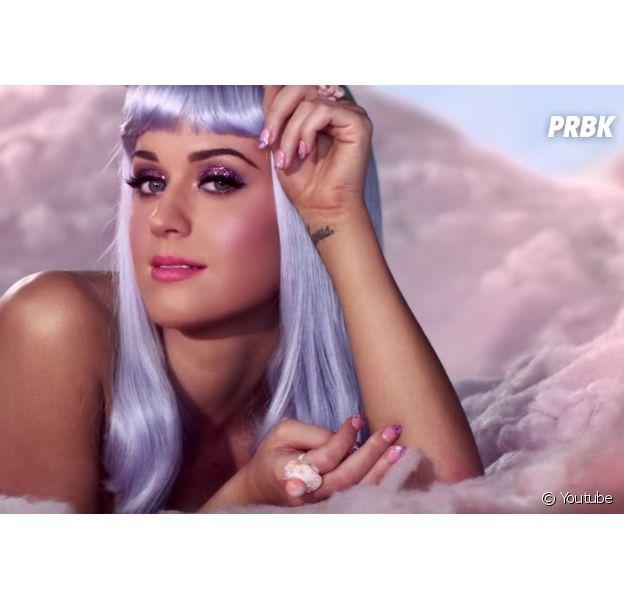 Katy Perry fala sobre música nova no Instagram