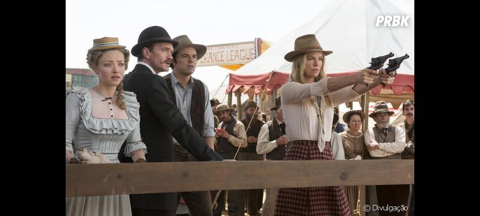 """Charlize Theron vive uma pistoleira do velho-oeste em """"Um Milhão de Maneiras de Pegar na Pistola"""""""