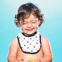 Veja 21 GIFs de bebês provando alguns alimentos pela 1ª vez e tente não sorrir