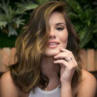 Camila Queiroz corta o cabelo para viver nova personagem na próxima novela das 19h da Globo!