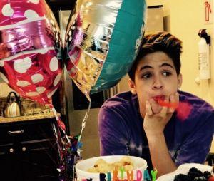 João Guilherme mostra festa de 15 anos em novo vídeo