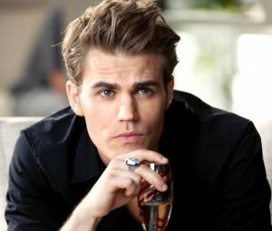 """De """"The Vampire Diaries"""": Paul Wesley chorou após ler o último roteiro da série"""