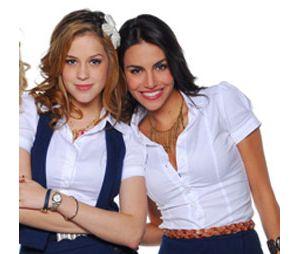 """Sophia Abrahão e Mel Fronckowiak, de """"Rebeldes"""", se reencontram e fazem alegria dos fãs!"""