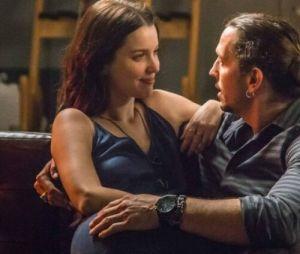 """Gui (Vladimir Brichta) vai pedir Julia (Nathalia Dill) em casamento, em """"Rock Story"""", novela da Globo"""