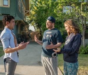 """Em """"Vizinhos"""", Seth Rogen e Rose Byrne sofrem com universitários festeiros"""