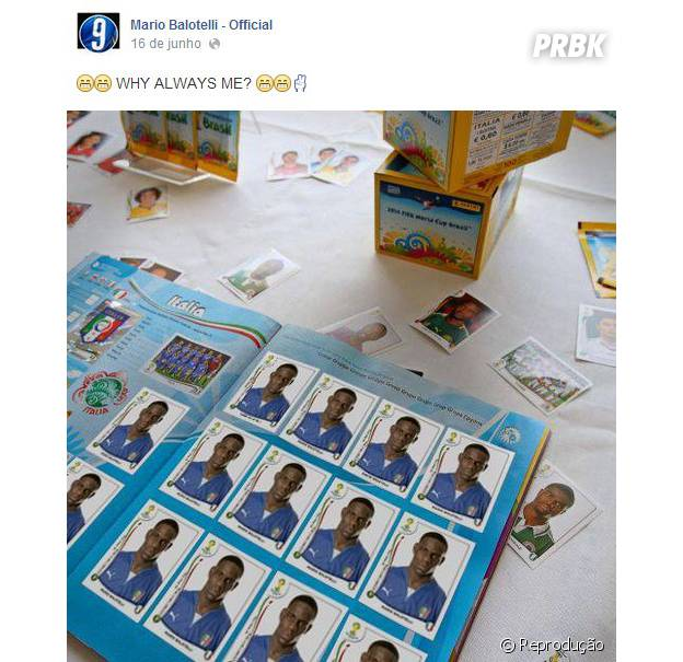 Balotelli zoando o álbum da Copa do Mundo