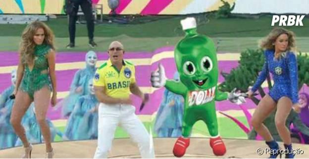 A apresentação de Claudia Leitte, Jennifer Lopez e Pitbull virou piada também