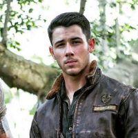 """De """"Jumanji"""": Nick Jonas, Dwayne """"The Rock"""" Johnson e mais no primeiro trailer do filme!"""