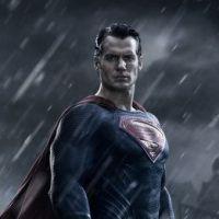 """Em """"Batman v Superman"""": sai primeira foto oficial do Homem de Aço"""