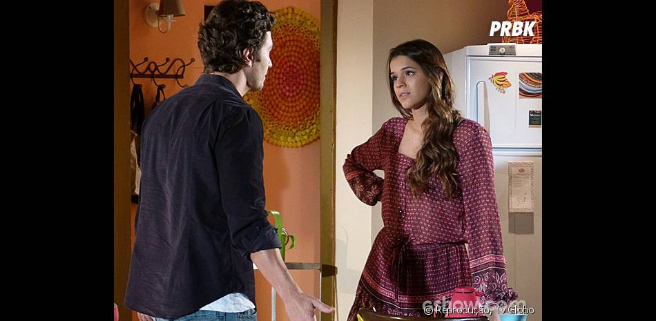 """Será que o noivado de Laerte (Gabriel Braga Nunes) e Luiza (Bruna Marquezine) sobrevive até o final da novela """"Em Família""""?"""